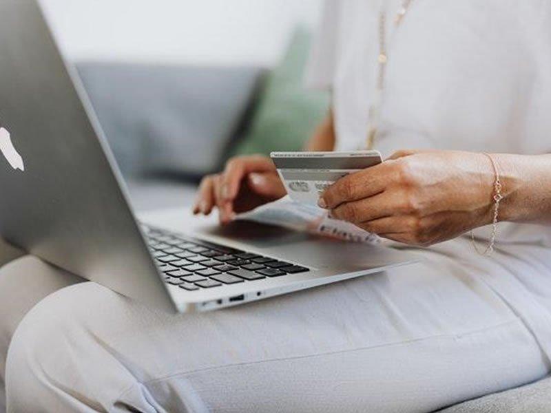 laptop-kreditna-kartica